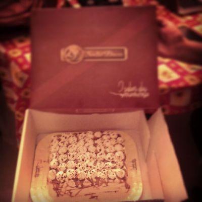 Fechando a noite da melhor maneira possível HAUHAUHAUHA *-* Sweet Candy Cake Happy