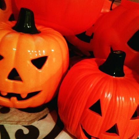 Picked up some Jackolanterns at the Goodwill. Getting ready for Halloween. ScaryOct Halloweendecor Halloweendecorations
