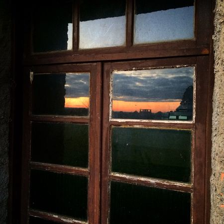Window Contryhouse Mirror