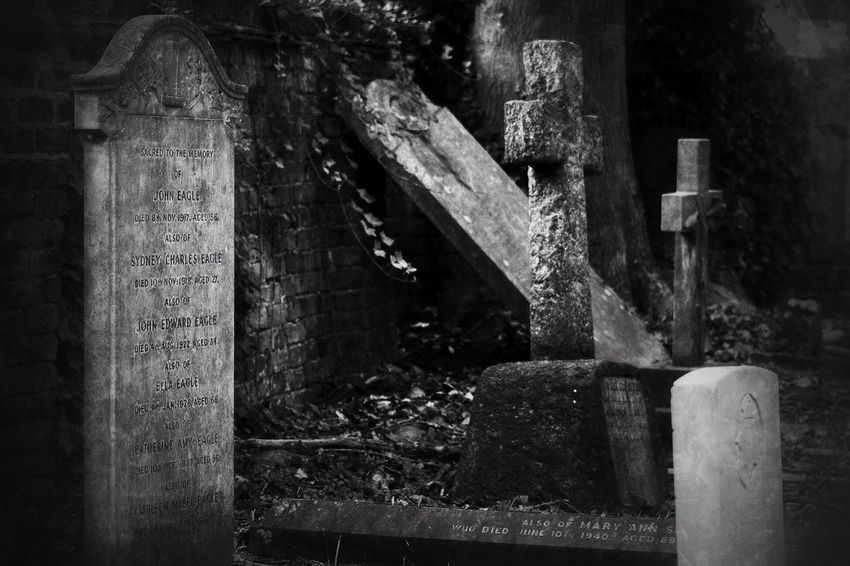 No Property No People Tombstone Cemetery Gravestone Graveyard Outdoors Burial Ground Canonphotography Graveyard Beauty Black & White Canon South West London Creative Photography