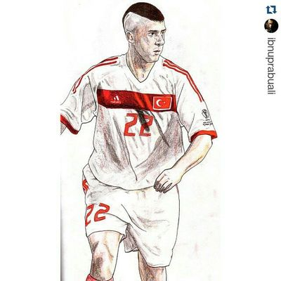 Repost @ibnuprabuali with @repostapp ・・・ Instasize Art Illustration Drawing Draw Picture Photography Artist Sketch Sketchbook Paper Pen Pencil Artsy Instaart Gallery Masterpiece Creative Instaartist Graphic Graphics Artoftheday Football Soccer turkey turkiye umitdavala davala worldcup2002