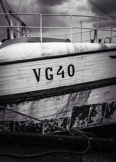 VG40 Buying A Yacht EyeEm Bnw MADE IN SWEDEN Shootermag