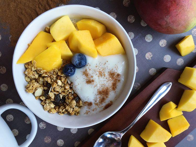 Cold Frozen Breakfast Snack Time! Berry Fruit Berries Yogurt Granola Food Foodporn Foodphotography Yogurt♡♡♡♡♡ Flatlay