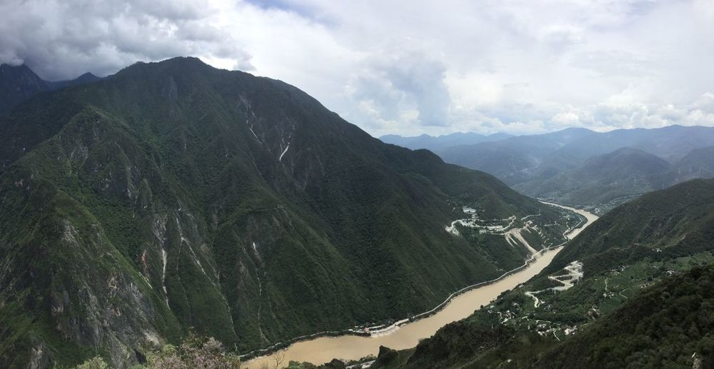 Hiking through tiger leaping gorge Beauty In Nature China Development Hiking Majestic Mountain Range Remote Tiger Leaping Gorge Valley Yangtze River Yunnan