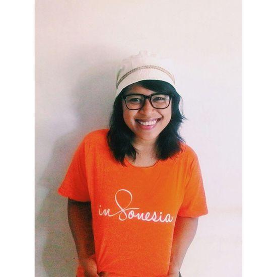 Yeay!! Love this t-shirt Couchsurfing Yogyakarta INDONESIA Orange