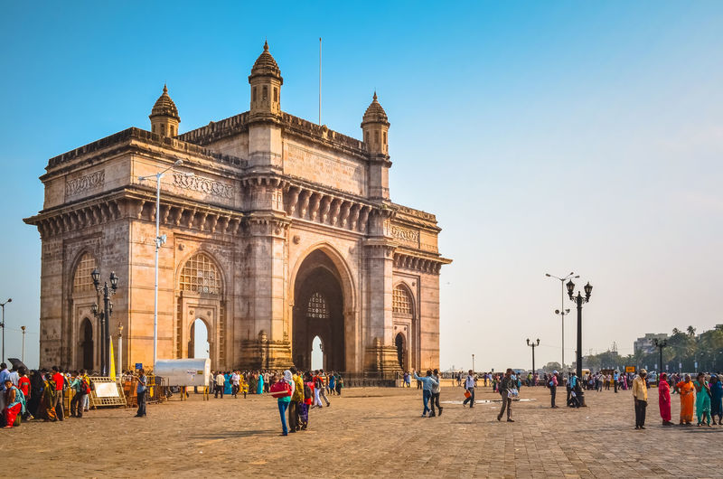 People against gateway to india
