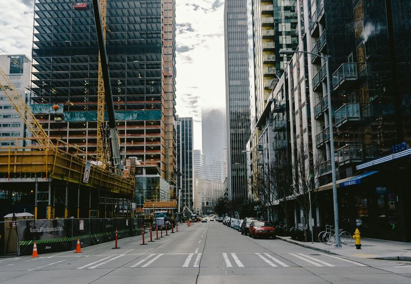 Streetphotography Walking EyeEm Best Shots - The Streets Sony A6000 Seattle PNW Seattlestreet Construction Discover Your City City Breathing Space