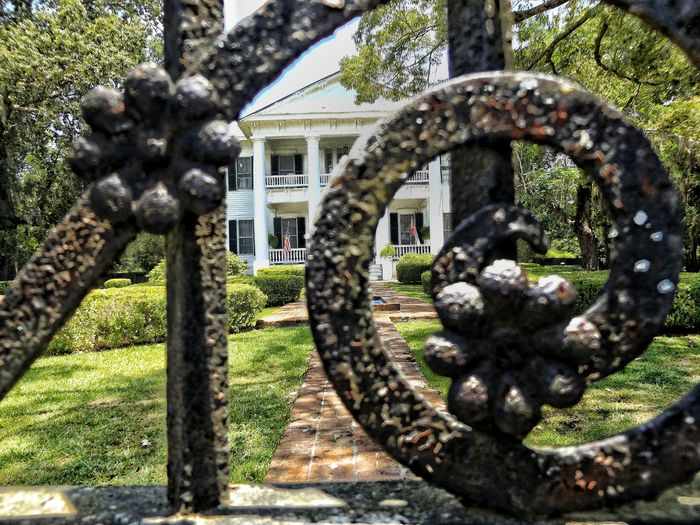 Old Gate With Lots Of Memory Gate Rod Iron Gate Rod Iron Beautiful Antique Historic Old House Plantation House Historical Building Civil War History Different Perspective Different Points Of View Different View Different Angle Different Is Better . ❤