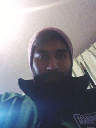 Un poco enfermo...dicen que paresco vagabundo jaja That's Me Feeling Sick Beardman Barbones Menstyle Hombres Beards Barbas Its Cold Outside Mexican Boys