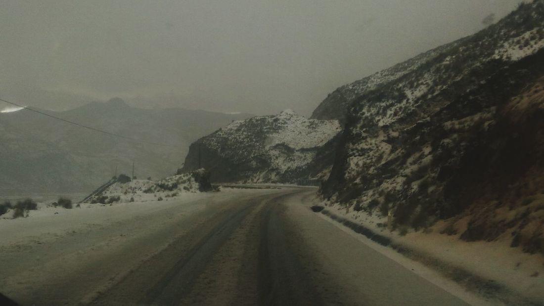 carretera peligrosa Road The Way Forward Cold Temperature Landscape Winter Snow No People