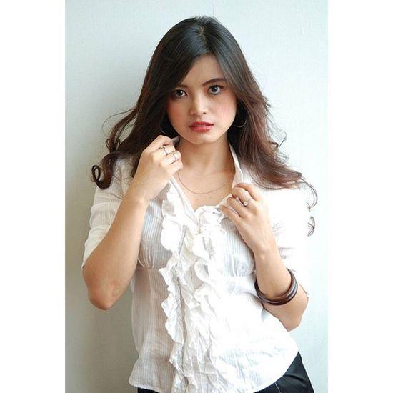Flat.. Model : @ni_agustina Taken with Nikon Frico Sihaloho Flat Jakarta Ekspresion Indonesianwoman INDONESIA Nikon Newbiemodel Model Office BankMega
