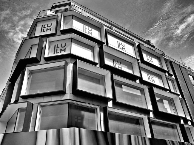 Architectural Feature Architecture B&W Collection B&w Street Photography Building Exterior Built Structure Low Angle View Windows