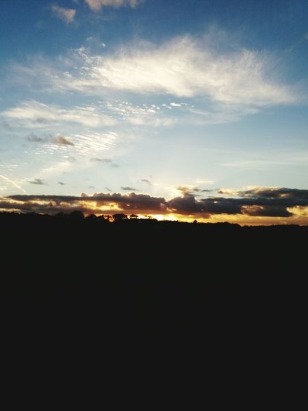 Sonnenuntergang Nature_perfection Wolken ☁️ Wie Ein Wunder No Peoples Moments Perfekt Moment EyeEmNewHere Nature Photography Outdoors Wundervoller Herbsttag I Love It ❤