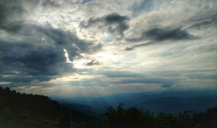 Cloud cover over the Smokey Mountains! Cloudscape Landscape Dramatic Sky Sunbeam Beauty In Nature Mountain Range No People Outdoors Mountain Sun Scenics Sky Sunlight Nature Awe Storm Cloud Beauty In Nature Smokey Mountains, NC EyeEm Nature Lover EyeEm Cell Phone Photography