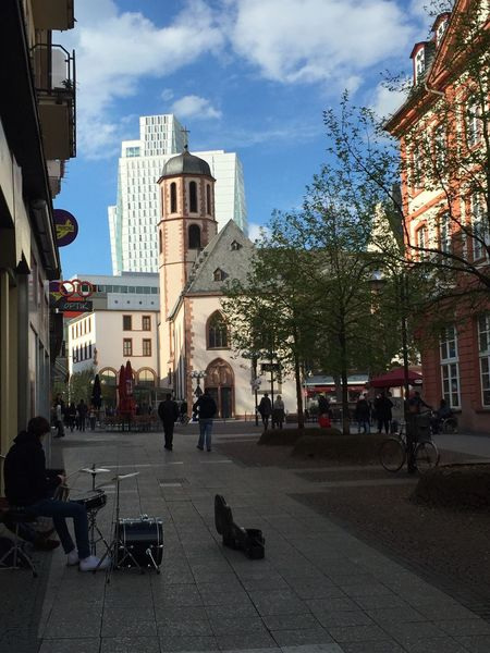 This Is Frankfurt Street Photography Musician Musiker Springtime Frankfurt Frankfurt's Life Frankfurt Am Main Showcase April The Moment-2016 Eyeem Awards No Filter, No Edit, Just Photography ShotOniPhone6