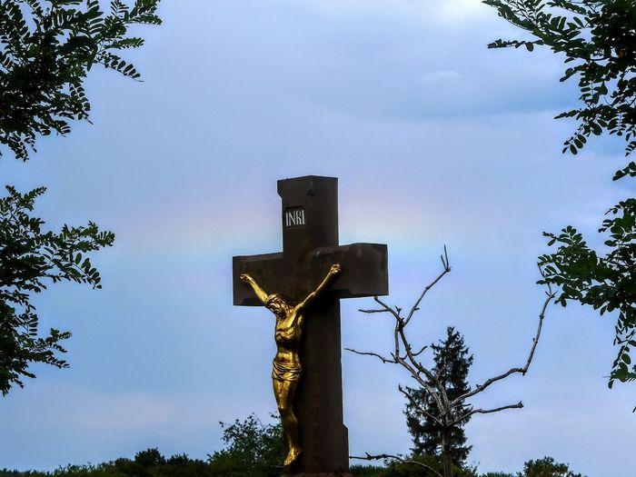 Feldkreuz Regenbogen Blue Sky