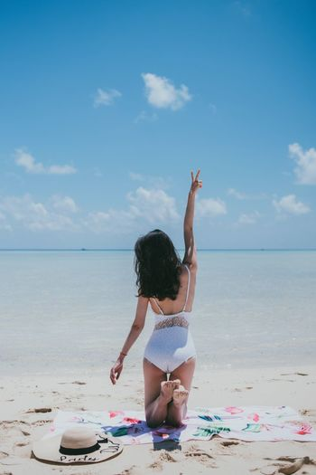NikonD810 男仔很忙 Semporna Sea Beach Sky Land Water One Person Horizon Over Water Horizon Leisure Activity Sand Lifestyles Full Length Cloud - Sky Child Real People Childhood Nature Day Human Arm Freedom