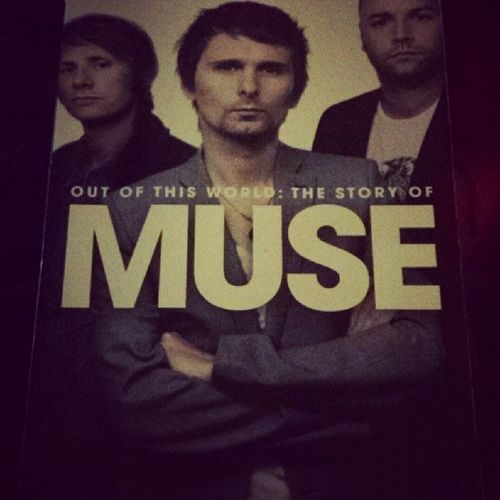 Best book I have ever read! Muse Mattbellamy DominicHoward Chriswolstenholme awesome outofthisworld book