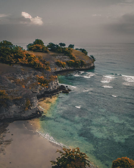Moi Indie Lamreh Landscape Wave Outdoors Horizon Over Water No People Coastline Solid Environment Cloud - Sky Rock Nature Rock - Object Beauty In Nature Scenics - Nature Sky Land Beach Water Sea