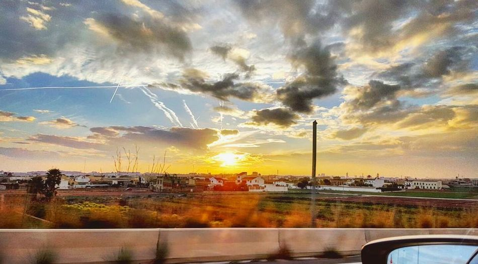 First sunset of 2016 Happynewyear Valencia, Spain Taking Photos Chasing Sunsets Sunset Amazing View Check This Out Amazing_captures Hello World Earth_Collections Amazing Wildlife Photography Earthphoto Nice View Check This Out