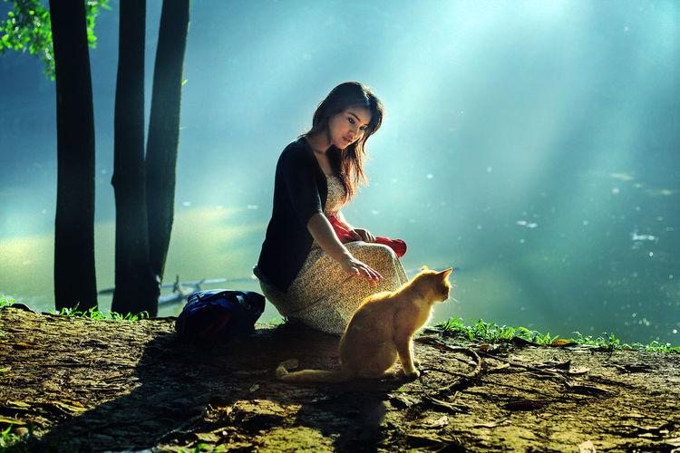 with my cat Sitting Young Women Water Full Length Beauty Women Beautiful Woman