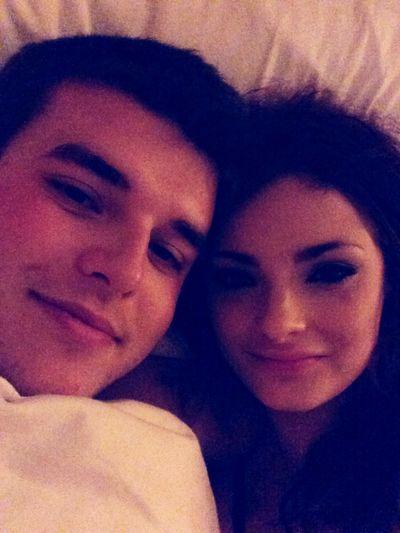 King sized bed chilling ? Romantic London KingsizeBed Boyfriend