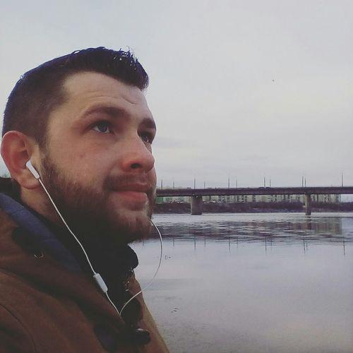 осень подходиткконцу река мост
