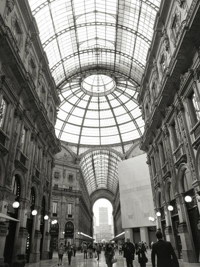 Welcome To Black Italy Italyweddingphotographer Italy🇮🇹 Italy Vitorio Emanulle Milano Ceiling Indoors  Large Group Of People Real People Shopping Mall Low Angle View Architecture Built Structure Leisure Activity Railroad Station Skylight Travel Destinations Men Arch Day Dome People