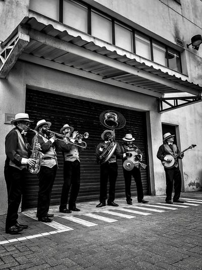 Good Vibes 🎼🎷🎺 Musician Music Group Of People Architecture Built Structure Real People Standing Full Length Men Group Building Exterior #urbanana: The Urban Playground
