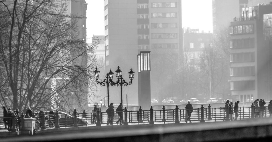 misty morning Bridge Brücke Buildings Häuser Lanterns Laternen Menschen Misty People Welcome To Black Black And White Friday Shades Of Winter
