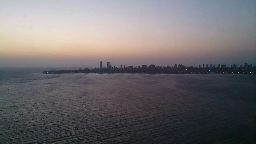 Citylights seaside, beautiful Mumbai, Nariman Point Mumbai_in_clicks Mumbai Narimanpoint Arabiansea Seaside Landscape Mumbai_igers Mumbai_instagrammers Sunset #sun #clouds #skylovers #sky #nature #beautifulinnature #naturalbeauty #photography #landscape City Lights
