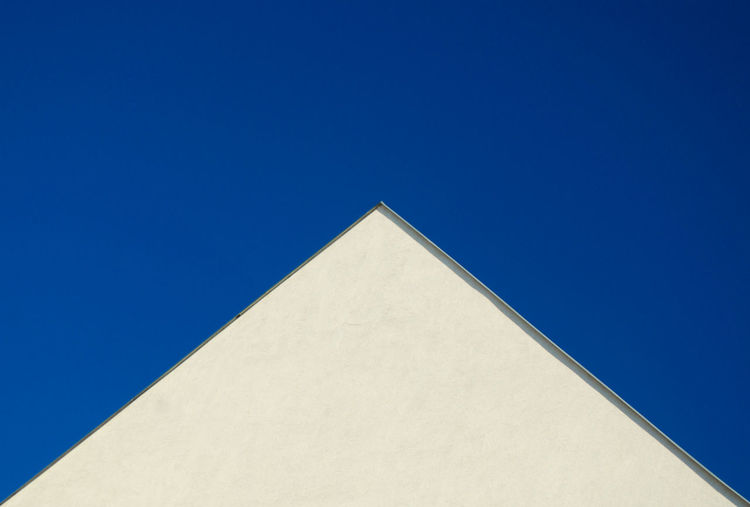 Debrecen Roof Architecture Built Structure Clear Sky Minimalism Outdoors Pyramid Triangle Shape