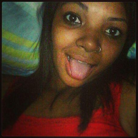 Olha a cara de preocupada ! Livre eu sou meu amor haha ' Lingua Boapranóis Likes Selfie Goodnight BlackBarbie Girl Instacat Ifeelhappy Happy Braziliangirl Assforyou Chuparecalque Instafunny Engraçadinha Pqp Livreleveephodase