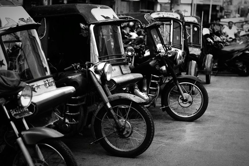 Bicycle Mode Of Transport Transportation Stationary Street Cycling City Oldies Oldies But Goldies. Oldies Never Dies Outdoors Land Vehicle Parking Pedal Bsamotorcycle Bsa1948 BSA BSAmotor The Street Photographer - 2017 EyeEm Awards