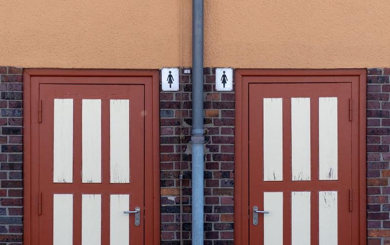 Closed retroom door of building
