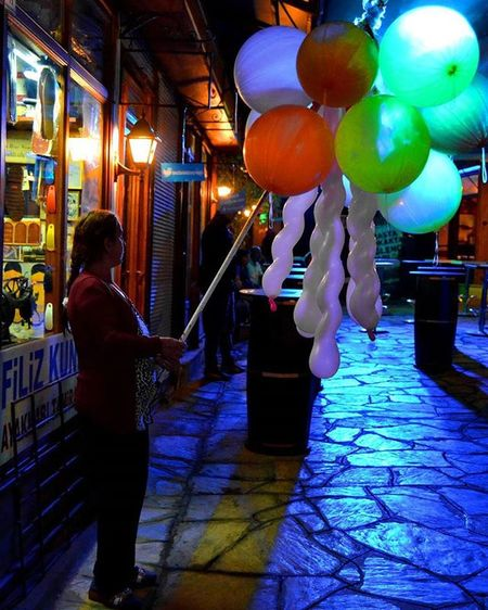 Picoftheday Woman Night Baloncu kadın