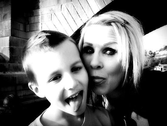 Tonguesout Blackandwhite Londonbridge Havasu Englishvillage Momliferocks Mom&son
