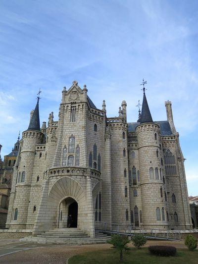 Fachada principal del palacio episcopal de Astorga, de Gaudí. Sin edición. No Filter, No Edit, Just Photography Architecture
