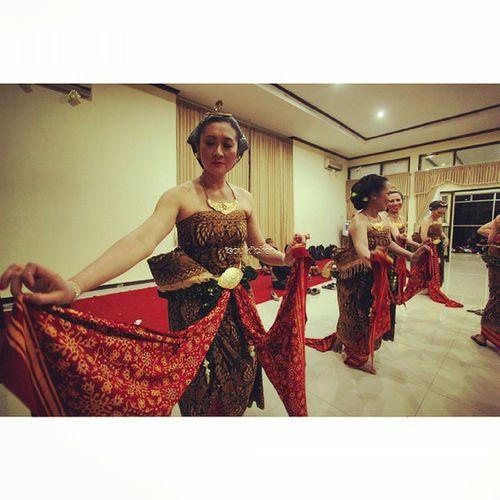 PRACTICING Oyikk Worlddanceday Solovely Instadaily indonesianrepost