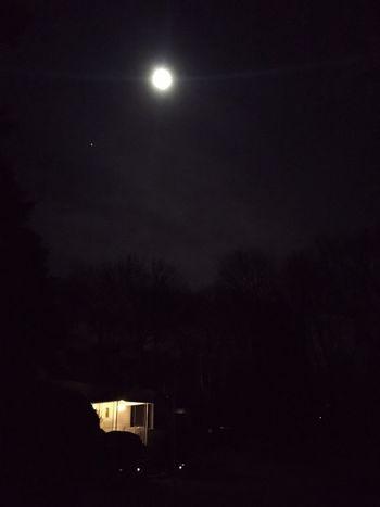 Howl at the moon Moon House Light Dark Shinning