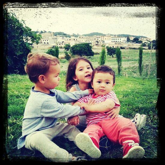 Izan Y Amigos