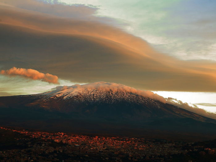 Idda Aerial View City Cloud Dramatic Sky Idyllic Landscape Nube Lenticolare Sky sunset Showing Imperfection 484 The Great Outdoors - 2016 EyeEm Awards