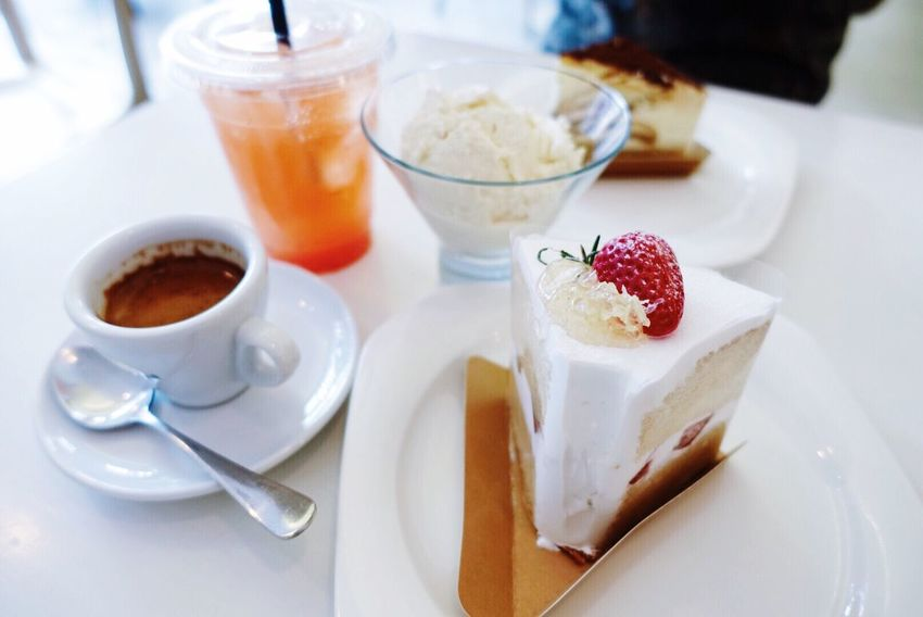 Dessert Cake Cafe Coffee Table 케이크 White