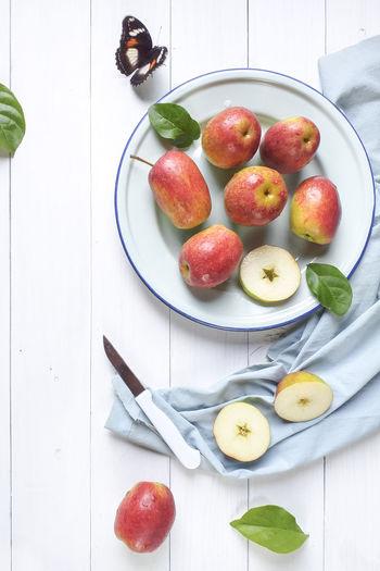 Apples Apple