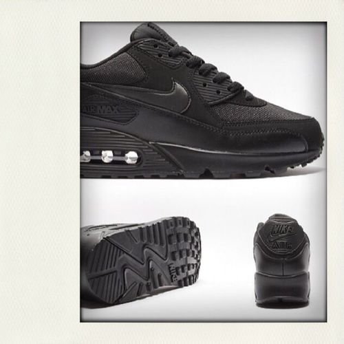 Air max black on black