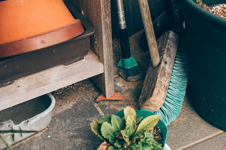 Scrub Brush Afternoon Backyard Casual Day Cleaning Countryside Daily Life Disorder Flower Pot Garage Garden Gardening Home Housework Lifestyles Nostalgic  Old Photographic Memory Plants Rows Of Things Shelf Shelves Still Life Storage Tools