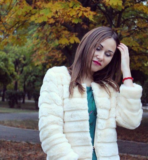 Осень..такая осень..новая шубка Hello World Model