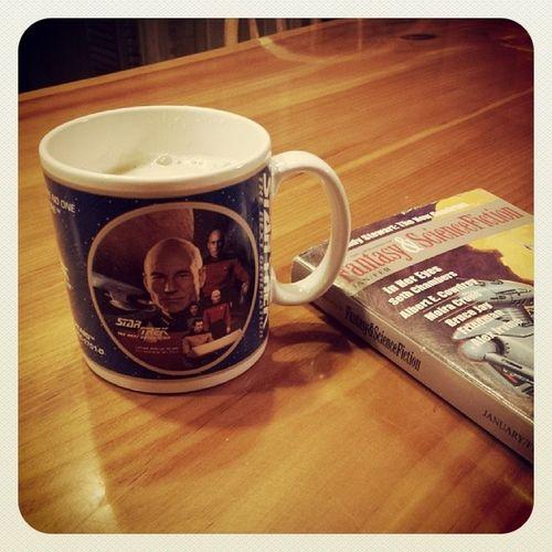 Apropos cup for my evening's entertainment. Homemade vanilla chai with sugar-free almond milk. I made it so. Nerdgirlproblems Nerdhumor Scifi Startrek thenextgeneration chaitea yum