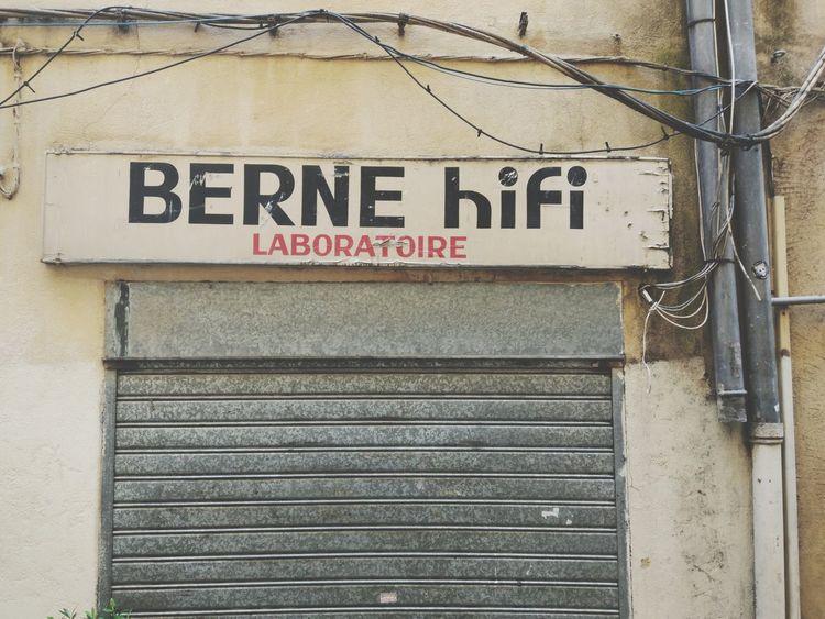 Berne Hifi Vitrine Enseigne Devanture Magasin Aix-en-Provence Hifi