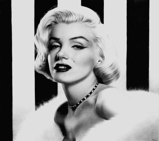 Marylin Monroe Marylin Monroe❤ Black And White Love ♥ Beatiful Girl